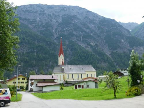 Kirche in Holzgau