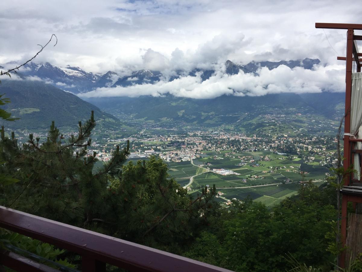 Blick nach Meran von Terrasse